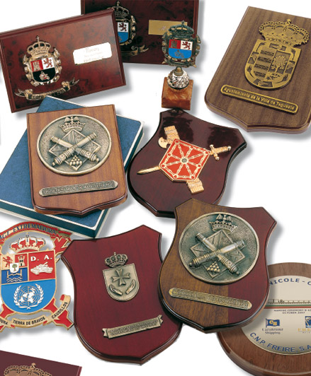Tampions – Wood with foil plaques